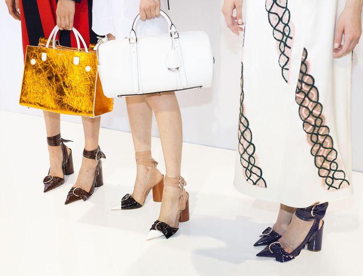 tinkami batai prie suknelės