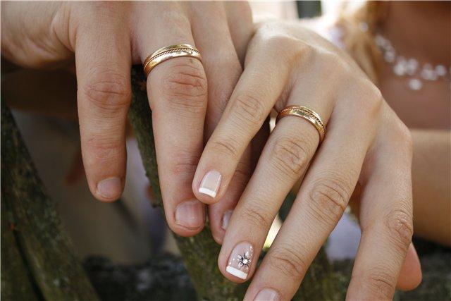 Paprasti vestuviniai žiedai