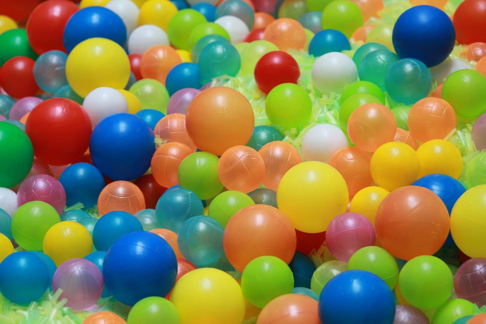 ball-107909_1920